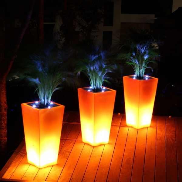 stark-line-pot-de-fleur-lumineux-led-orange.jpg